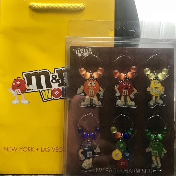 M&M World candy beverage charm set w gift bag NWT
